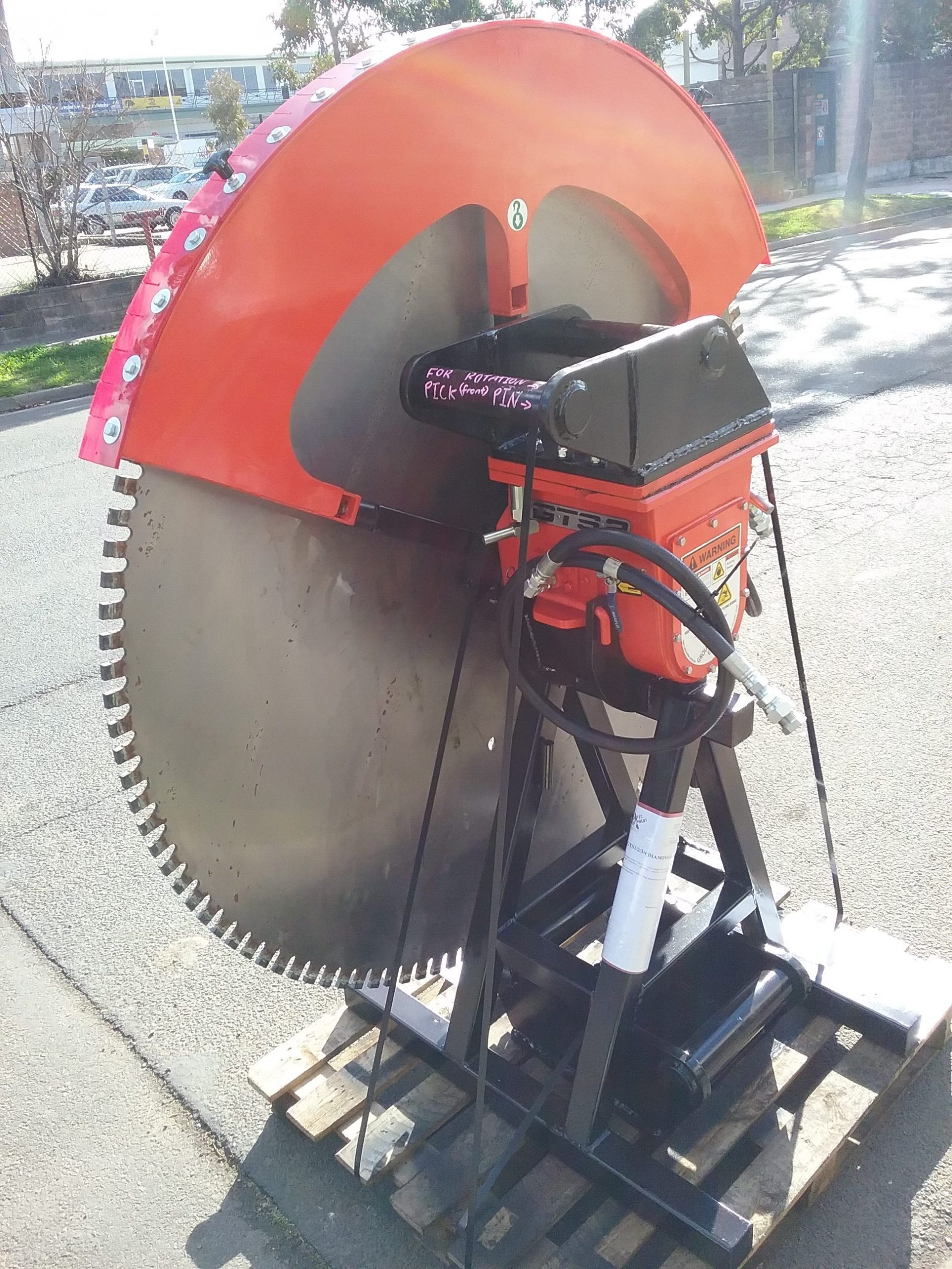 GTS Diamond saw in action: GTS 2 with 1400 mm blade ready for delivery